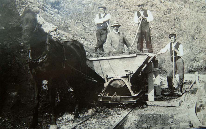 Workers on the site around the 1920ies