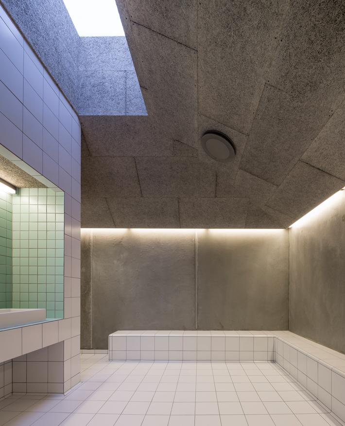 Pulsen - Wellnes dressing room - Photo_ Adam Mørk